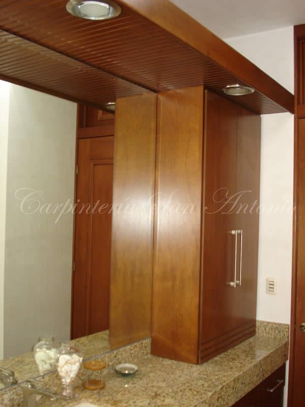 Carpinter a san antonio muebles gabinetes y for Gabinetes para bano en madera